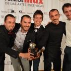 Mejor elenco de danza Kukai Dantza (Jon Maya, Eneko Gil, Martxel Rodríguez, Ibon Huarte, Urko Mitxelena, Alain Maya y Jonatan López) por Oskara.